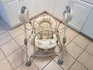 Safety 1st Musical Baby Swing- Excellent condition