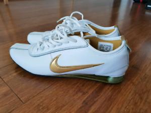 df1525fbf1df Nike Shox Futsal sports gym shoes sneakers Size 10