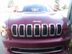 2016 Jeep Cherokee Overland, for urgent sale.