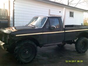 bunch of 4x4 trucks/projects