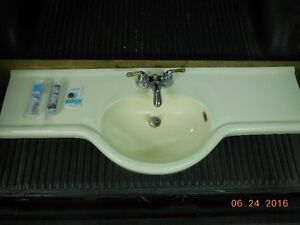 48 INCH VANITY TOP AND TAPS