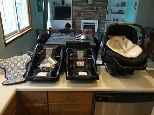 Britax B-Safe car seat bundle Belleville Belleville Area image 1