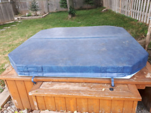 Free -hot tub and cover
