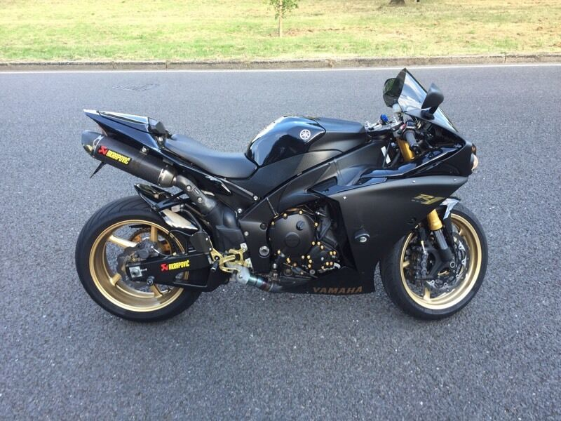 2011 YAMAHA R1 BIG BANG FULLY LOADED SPEC!!!! | in Woodford, London ...