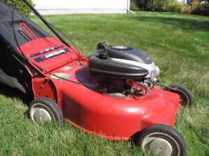 tondeuse MTD avec ou sans sac  gros moteur6 hp superbe condition