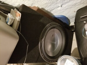 Sub woofer reference r1 Soundstream 1300 w rms + caisse