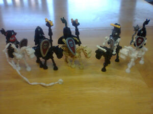Lego compatible skeleton characters with skeleton horses