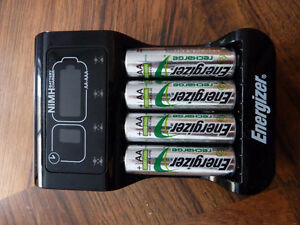 Chargeur Energizer AAA et AA