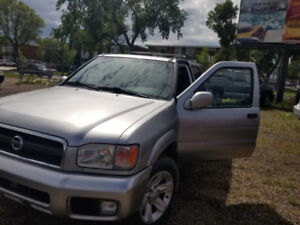 2003 Nissan Pathfinder-FULLY LOADED WITH LEATHER SEAT