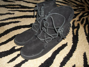 Moccassins, converse, timberland, Ecco, Born, Guess Kitchener / Waterloo Kitchener Area image 1