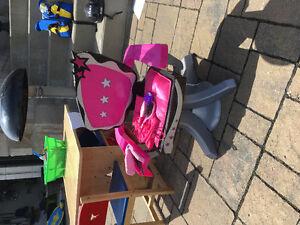 Chaise de coiffeuse pour enfant avec accessoires