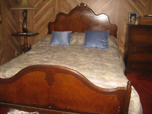 Set de chambre antique 4 meubles.
