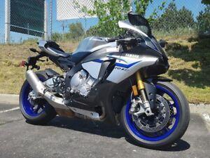 2016 Yamaha YZF-R1M