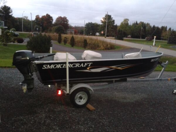 Used 2009 Smoker Craft Inc voyager