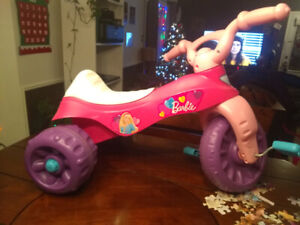 Tricycle pour filles neuf !!!