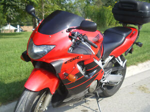 CBR 600 F4 Fast and Perfect running Conditions. Certified
