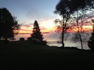 Beautiful Lakehouse for Rent - Sept. 1st
