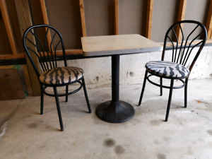 Cadillac Lounge Cast Iron Bistro/Diner Table and Chairs