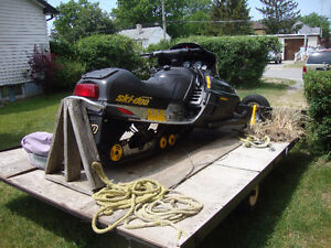 01 MachZ ski-Doo and trailer