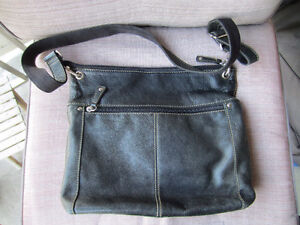 MILLENI & FOSSIL  Leather Purses Make me an offer Kitchener / Waterloo Kitchener Area image 7