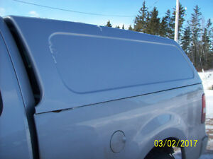 2006 ford 6 1\2 ft fiberglass cap