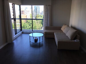 Female roommate wanted for 1 BR apartment (downtown Vancouver)