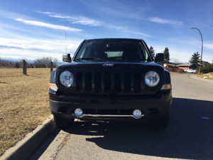 2016 Jeep Patriot High Altitude 4x4 **Still under warranty**