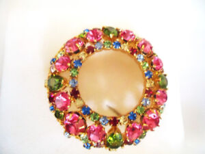 FAC - Flowers Everyday Round Crystal Brooch Pin - New in Box