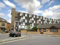 3 bedroom flat in Allen Road, Bow E3