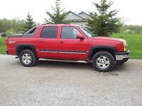 2006 Chevrolet Avalanche Z71 Pickup Truck