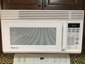Frigidaire stove and microwave
