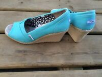 Turquoise Toms wedges size 7