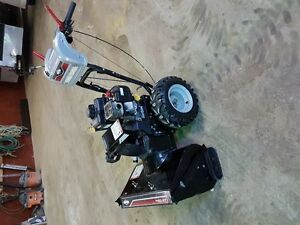 2 USED Briggs & Stratton 250cc 27-in Two-Stage Gas Snow Blower-