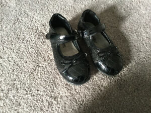 Toddler size 5 girl shoes