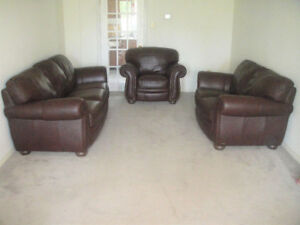 Traditional Natuzzi Buffalo All Leather Sofa Set, Delivery Avai