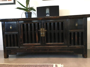 Auntentic Chinese cabinet of Solid Wood