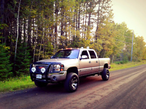 2005 gmc sierra lifted 4x4 6.0L