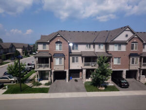 2 bedroom townhouse in great location near Grimsby Beach