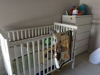 Selling white crib with jungle duvet