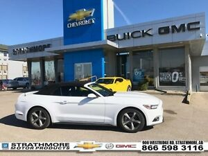 2016 Ford Mustang Low km-V6-Auto-Electric roof-Pwr Seat  group..