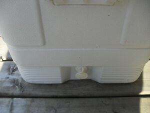 Large White 54 Litre Hard Sided Cooler Peterborough Peterborough Area image 5