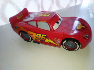 interchangeable Lightning McQueen with bonus car