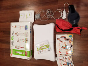 Wii Fit Balance Board, Nunchuk, Wii Fit Plus et Wii active