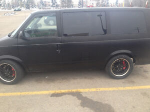 rare one of a kind v-8 vortec minivan that burns rubber