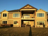 Room for rent in luxury house close to UBCO and YLW airport
