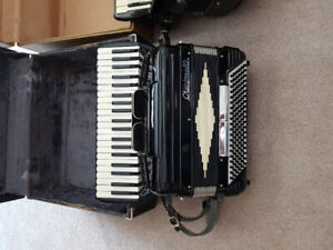 Ladies/youth accordian