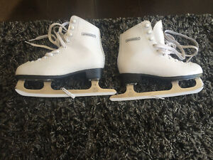 Winnwell girl's skates size 3J