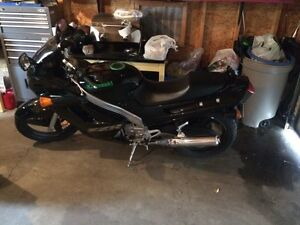 Selling ninja 250! Super low KM