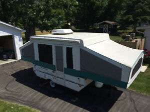 2004 Rockwood limited Tent Trailer