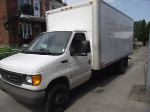 2004 Ford E-350 GRIS Fourgonnette, fourgon